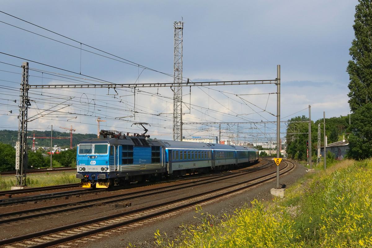 Lokomotiva 371.201 - foto 954