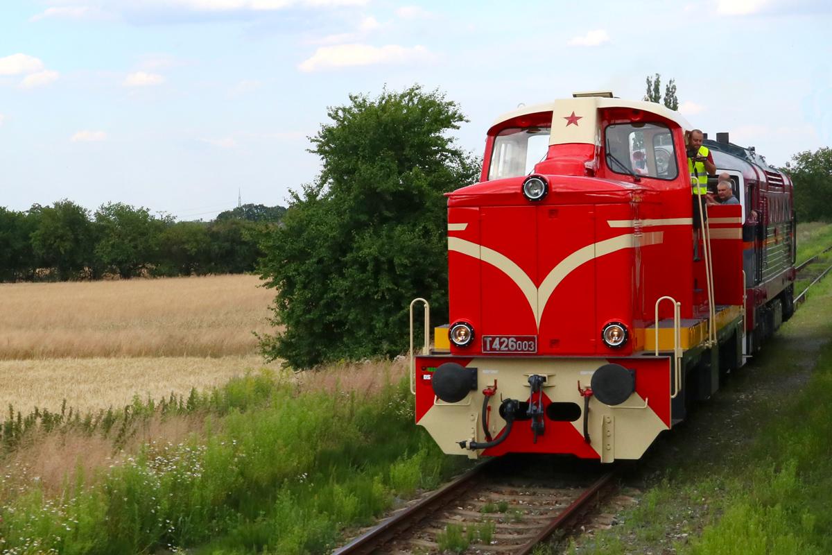 Lokomotiva T426.003 - foto 970