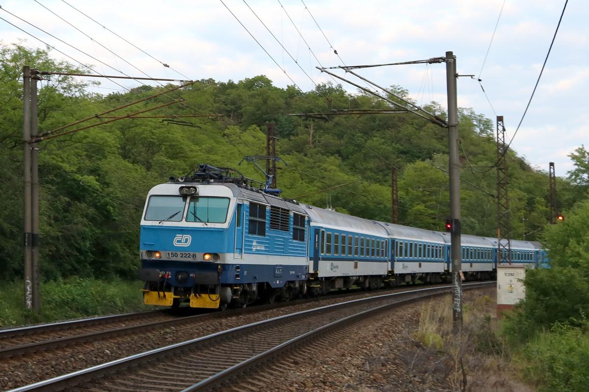 Lokomotiva 150.222 - foto 937