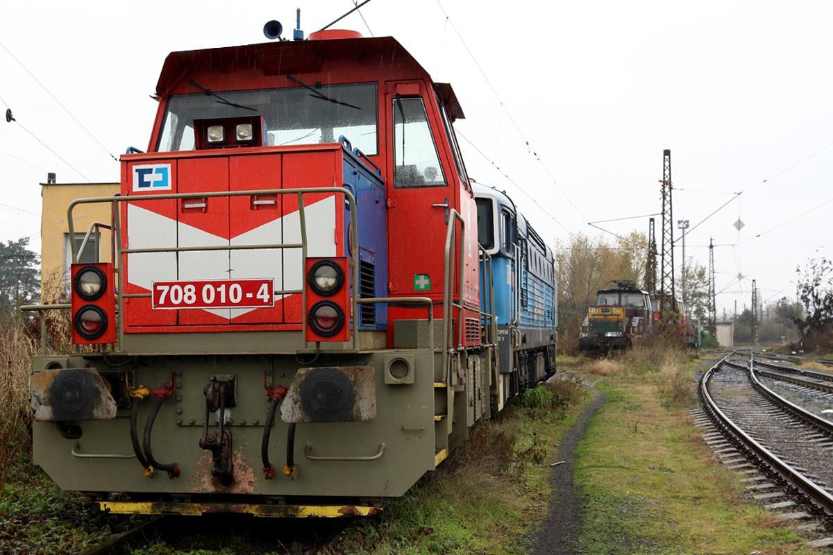 Lokomotiva 708.010 - foto 916