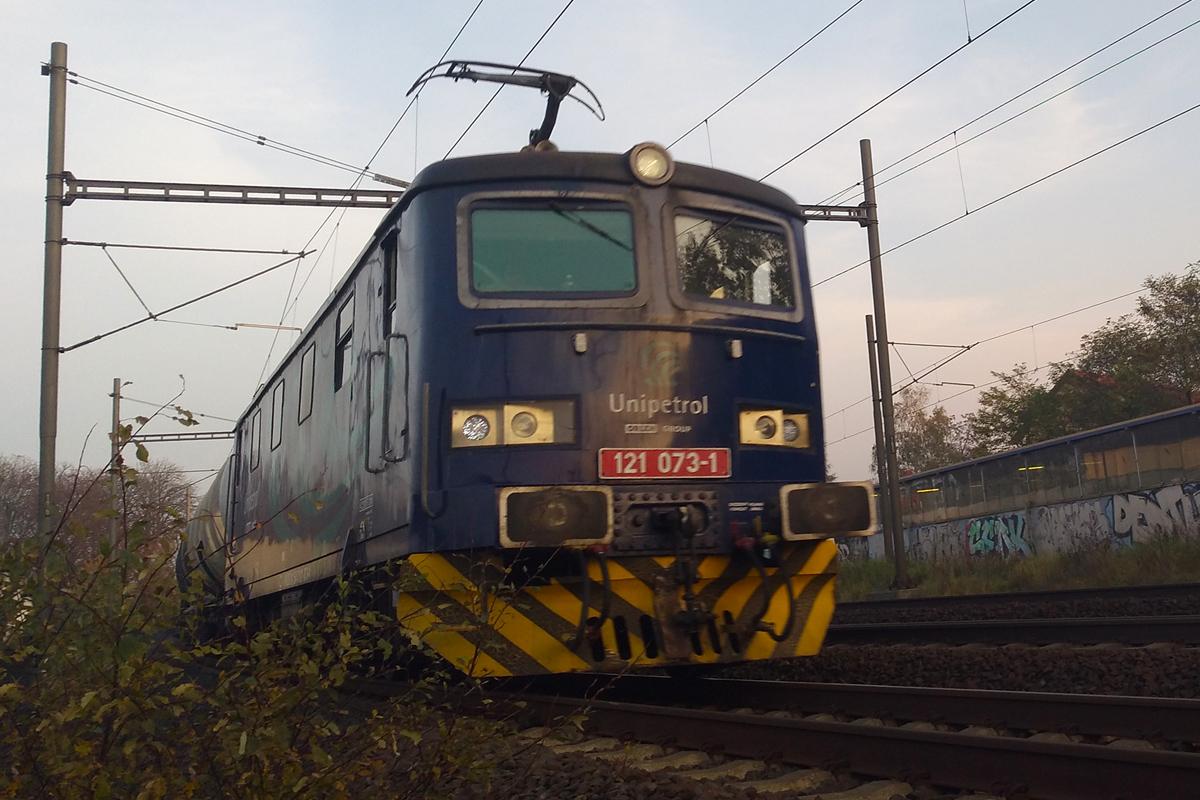 Lokomotiva 121.073 - foto 894