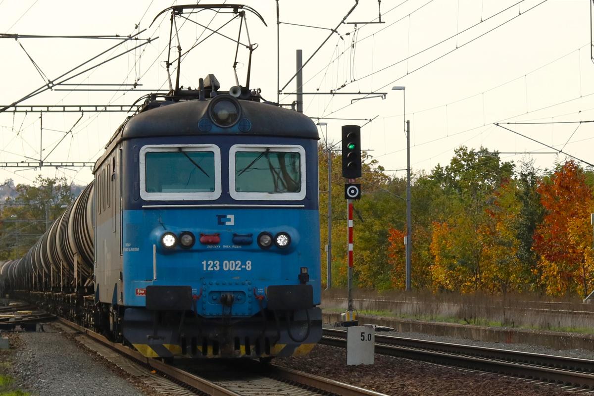 Lokomotiva 123.002 - foto 897